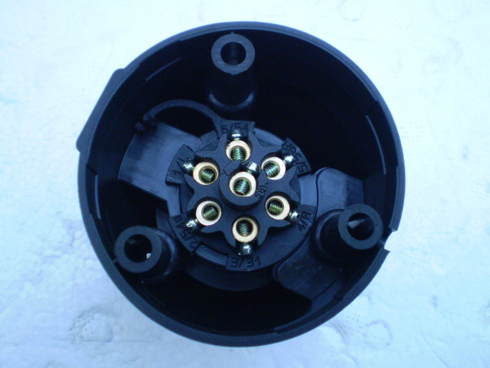 7 Pin Round Trailer Socket Large On Car Side Connector